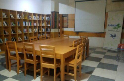 Article : WenakLabs offre une bibliothèque de 2500 livres à l'Association Imp'Acte